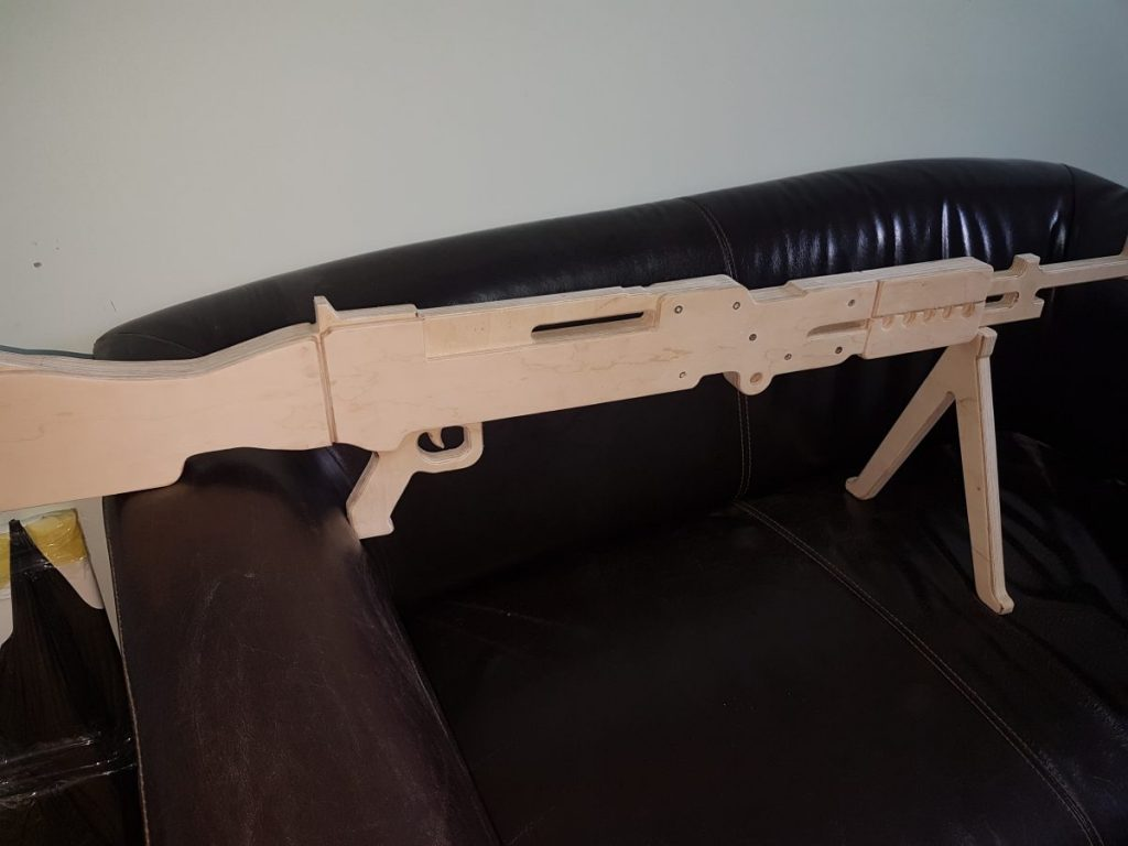 макет пулемета из фанеры