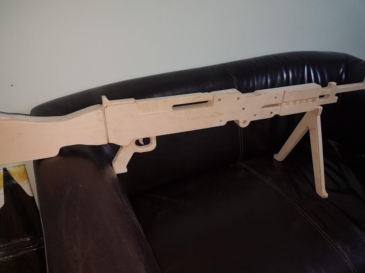 Изготовление макетов оружия из фанеры