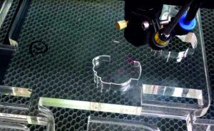 Особливості та переваги лазерної порізки пластику