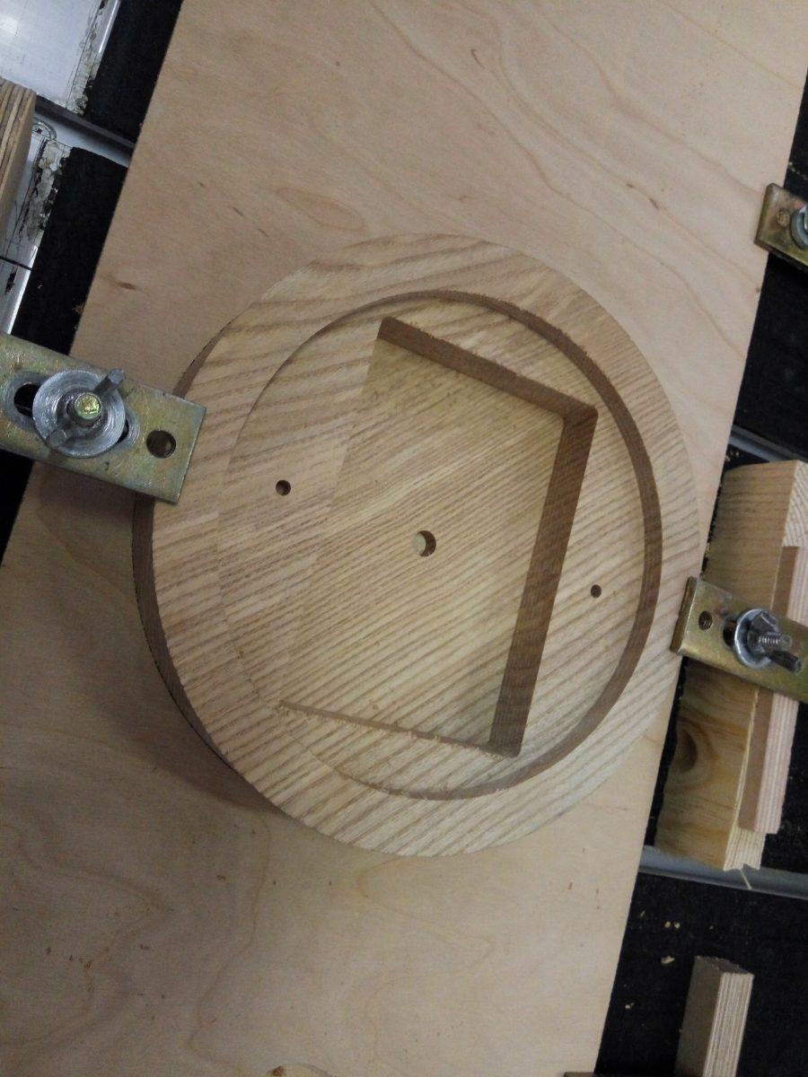 фрезеровка заготовки из дерева