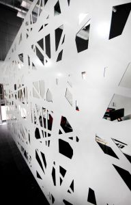 декоративная панель из белого композита