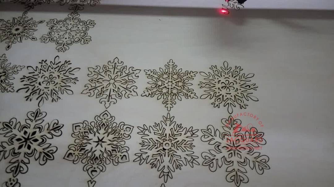 лазерная резка игрушек из фанеры