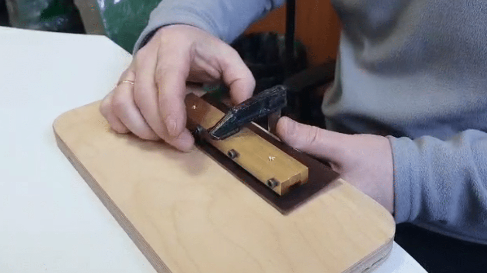 Позиционирование штампа на коже